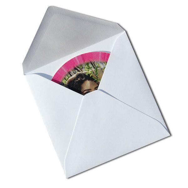 ausgefallene Einladungen Bierdeckel Umschlag quadratisch weiss
